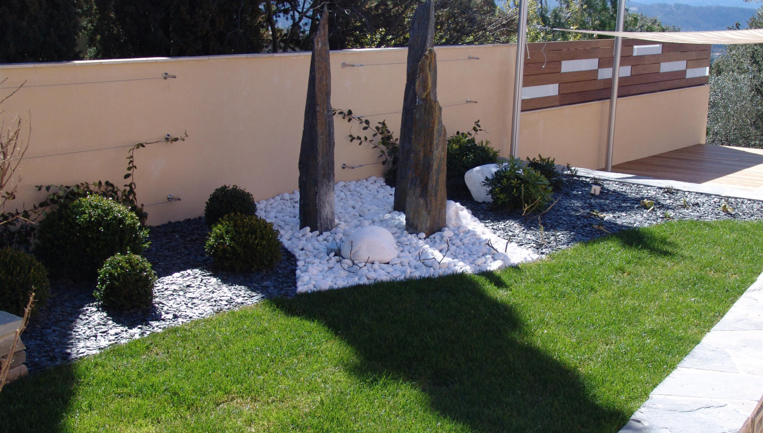 D coration jardin montpellier nimes for Decoration exterieur de villa