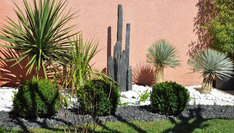 Fontaine de jardin montpellier nimes for Piquet en ardoise